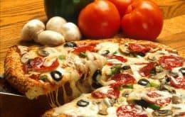 Quem tomar a segunda dose vai ganhar pizza grátis na Domino's; veja como conseguir