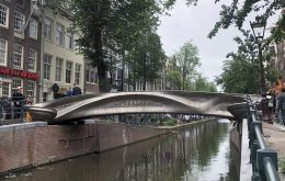 Ponte feita em impressão 3D é instalada na Holanda