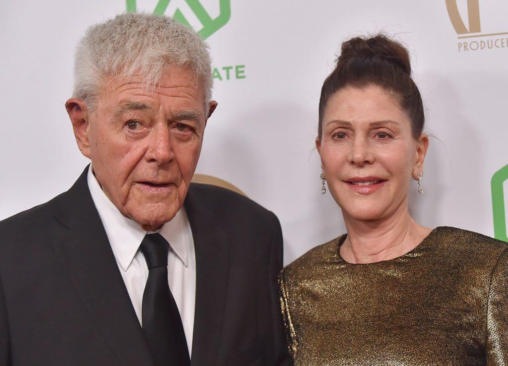 Richard Donner e sua esposa, Lauren Shuler Donner, no 30th Annual Producers Guild Awards, em janeiro de 2019. Imagem: DFree/Shutterstock