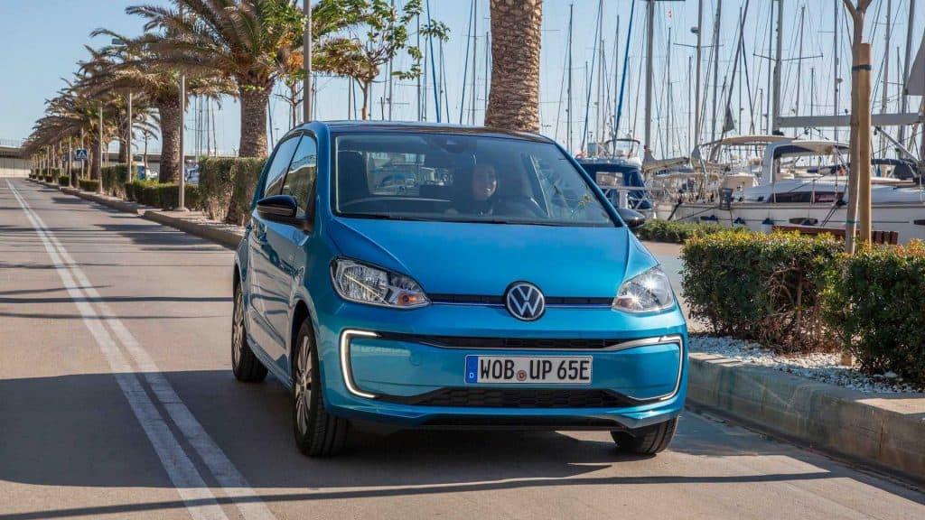 Volkswagen e-up! é 100% elétrico. Imagem: Divulgação'