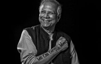 """Quién es Muhammad Yunus, """"banquero social"""" premiado en la inauguración de los Juegos Olímpicos de 2020"""