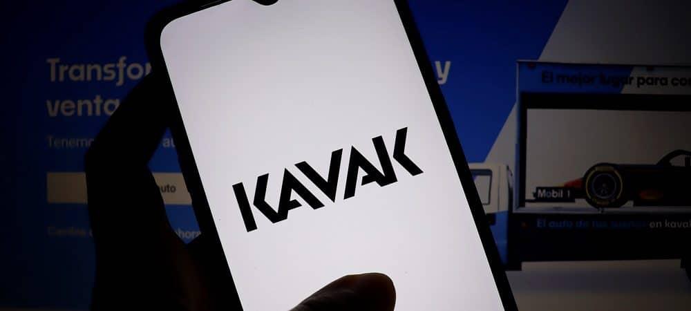 celular com a tela aberta no aplicativo da Kavak