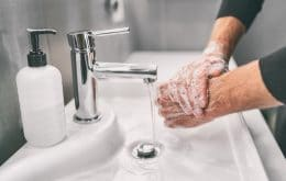 Covid-19: Is hand washing still important to prevent transmission?