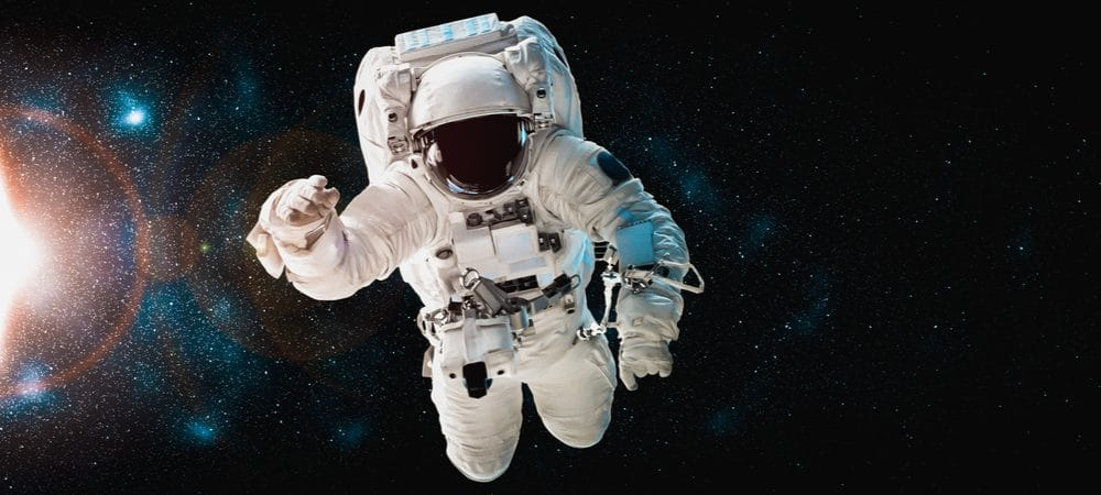 astronauta-no-espaco-1000x450