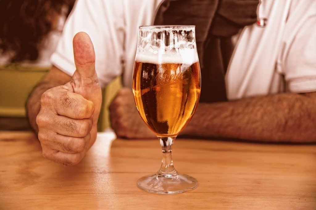 copo com cerveja