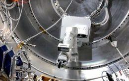 SpaceX dá uma mãozinha (mecânica) aos astronautas da ISS; entenda