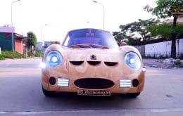 Brinquedo de gente grande: inventor recria uma Ferrari clássica com madeira e motor elétrico