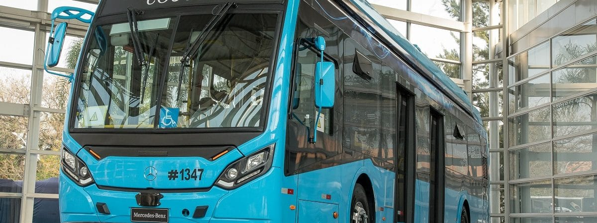 eO500U, primeiro ônibus elétrico da Mercedes no Brasil
