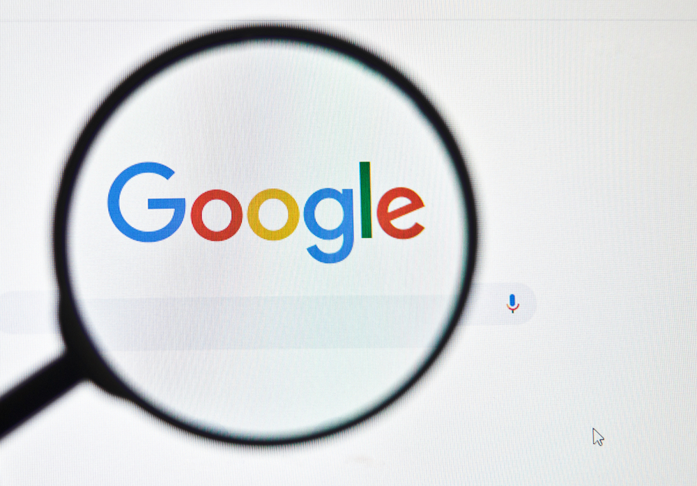 Google censura pesquisas que criticam o próprio Google