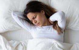 Pesquisa revela que dormir por várias horas não garante benefícios