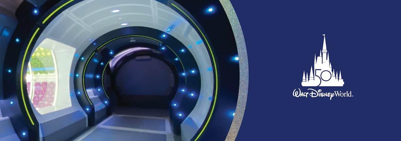 Imagem mostra a entrada de nova atração da Disney: o Space 220, restaurante que simula um jantar no espaço