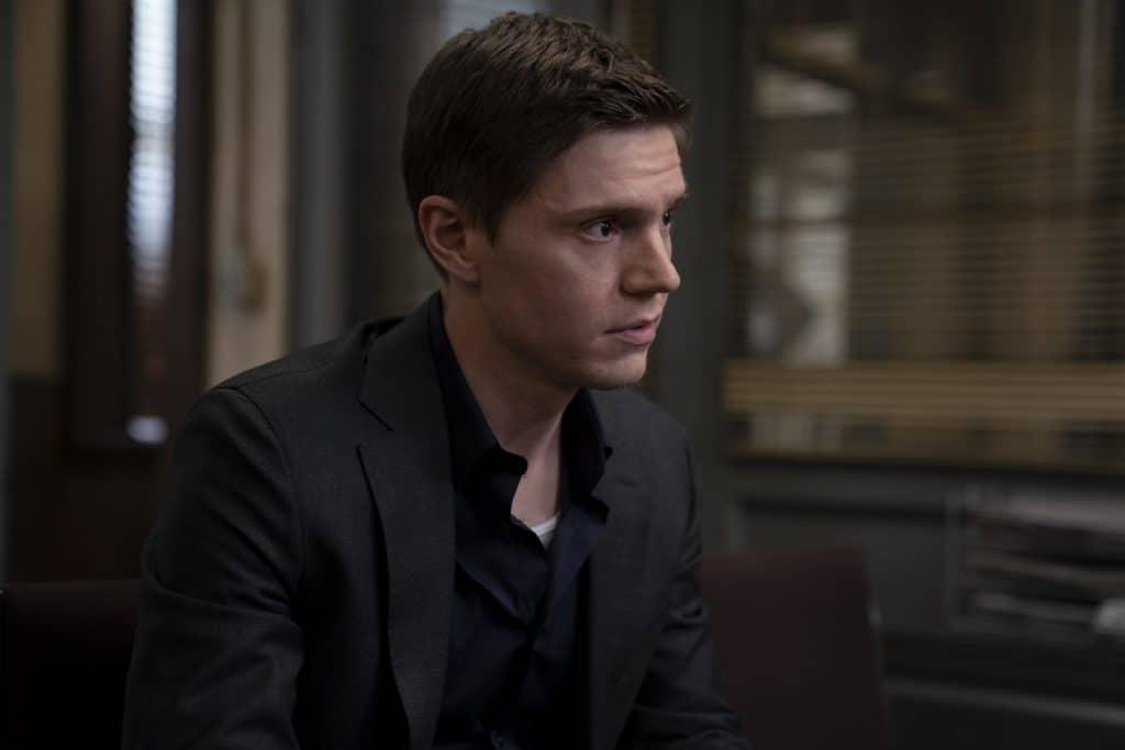 Evan Peters, como Detetive Colin Zabel ('Mare Of Easttown')