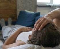 'Covid longa': sintomas podem durar um ano e afetar rotina de trabalho