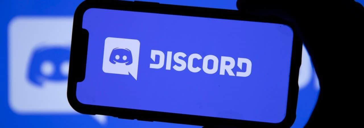 celular com logo Discord