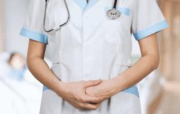 Homem agride enfermeira por ter vacinado sua esposa 'sem a permissão dele'