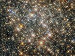 Telescópio Hubble captura imagem do aglomerado estelar no centro da Via Láctea