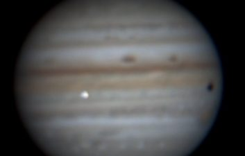 The importance of the impact on Jupiter caught by a Brazilian