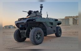 Rex MK II é carro elétrico com robô militar capaz de conduzir operações sozinho