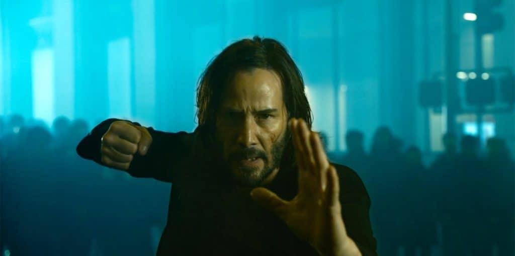 Keanu Reeves como Neo em 'The Matrix Resurrections'. Imagem: Warner Bros./Divulgação