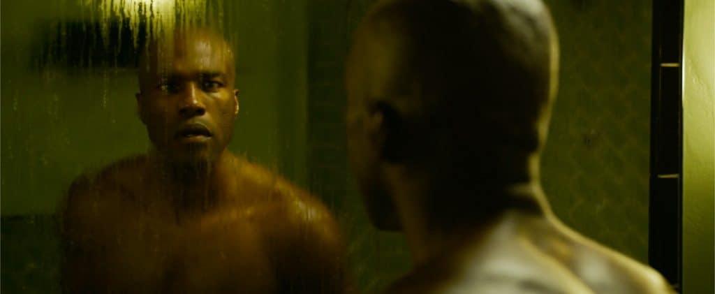 Yahya Abdul-Mateen II em 'The Matrix Resurrections'. Imagem: Warner Bros./Divulgação