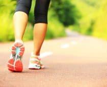 Caminhar pode ajudar a reduzir os sintomas de depressão pós-parto