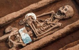 """""""Giant"""" Human Skeletons: Mystery May Have Been Unveiled"""