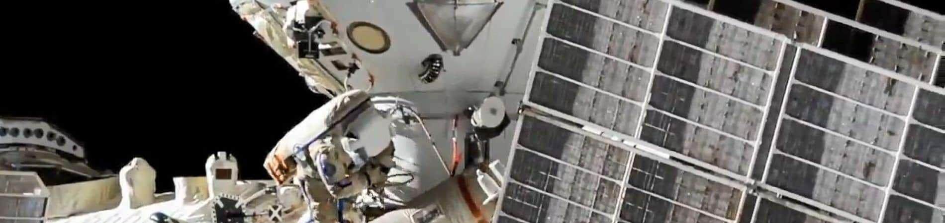Cosmonautas russos começaram ontem (3/9) a conectar o módulo Nauka à ISS