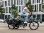 Visão do futuro da BMW, triciclo elétrico se torna real com outra empresa