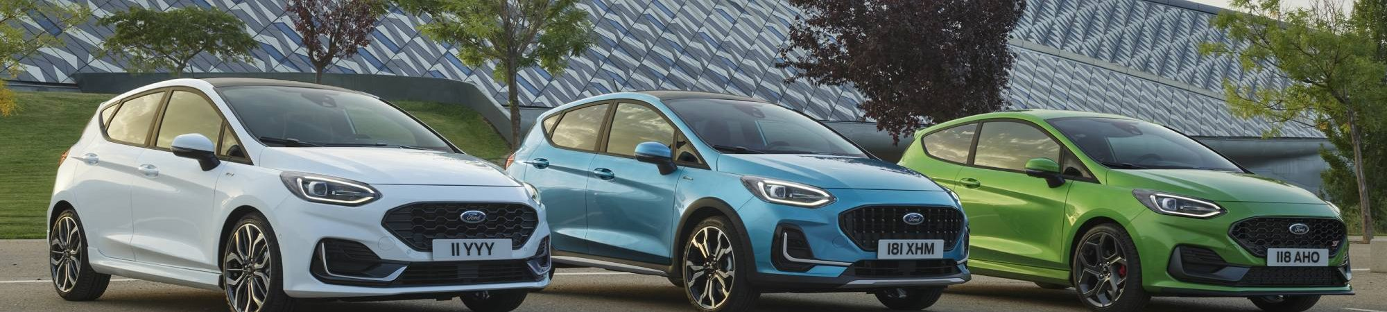 três novos carros Ford Fiesta de 2022