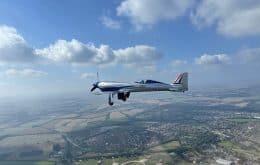 Avião elétrico da Rolls Royce voa pela primeira vez, quebrando recorde da categoria