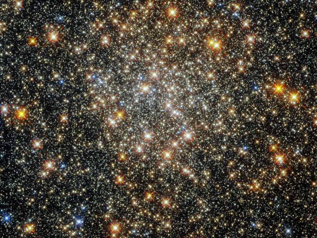 Imagem feita pelo Hubble do aglomerado estelar Palomar 6