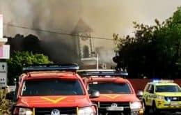 Terror nas Ilhas Canárias: vídeo mostra igreja desmoronando ao ser atingida por lava de vulcão