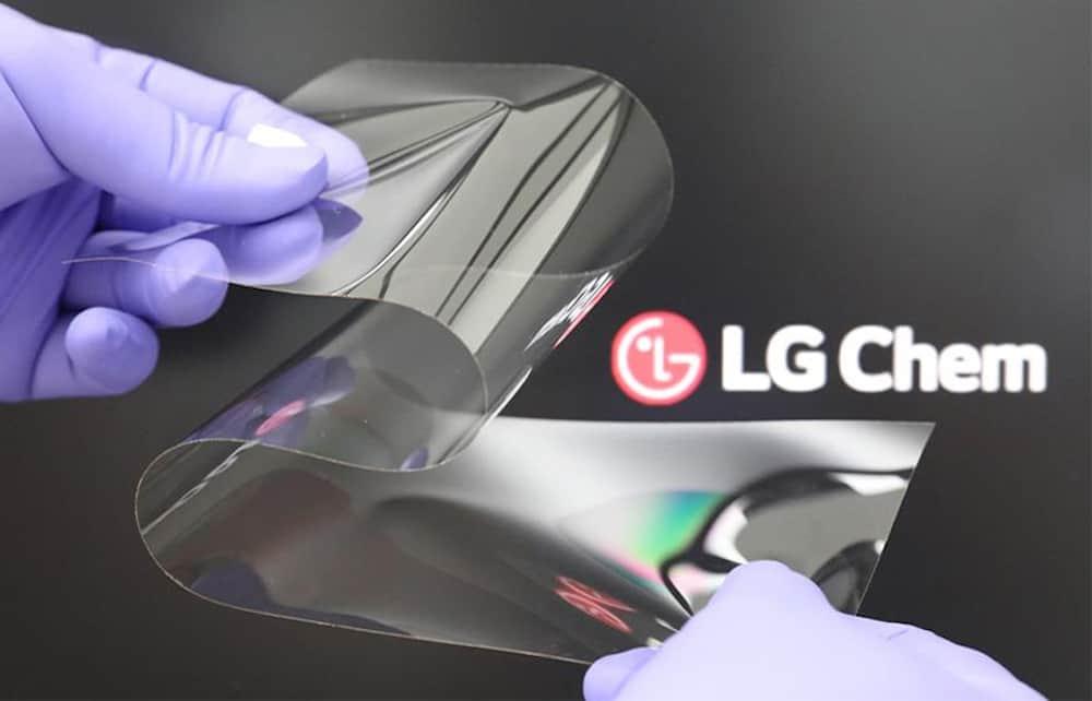 Tela flexível da LG (Imagem: divulgação/LG Chem)