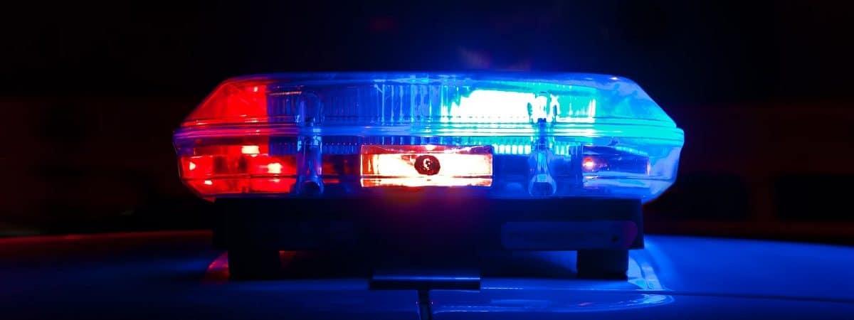 Luces de emergencia del coche de policía