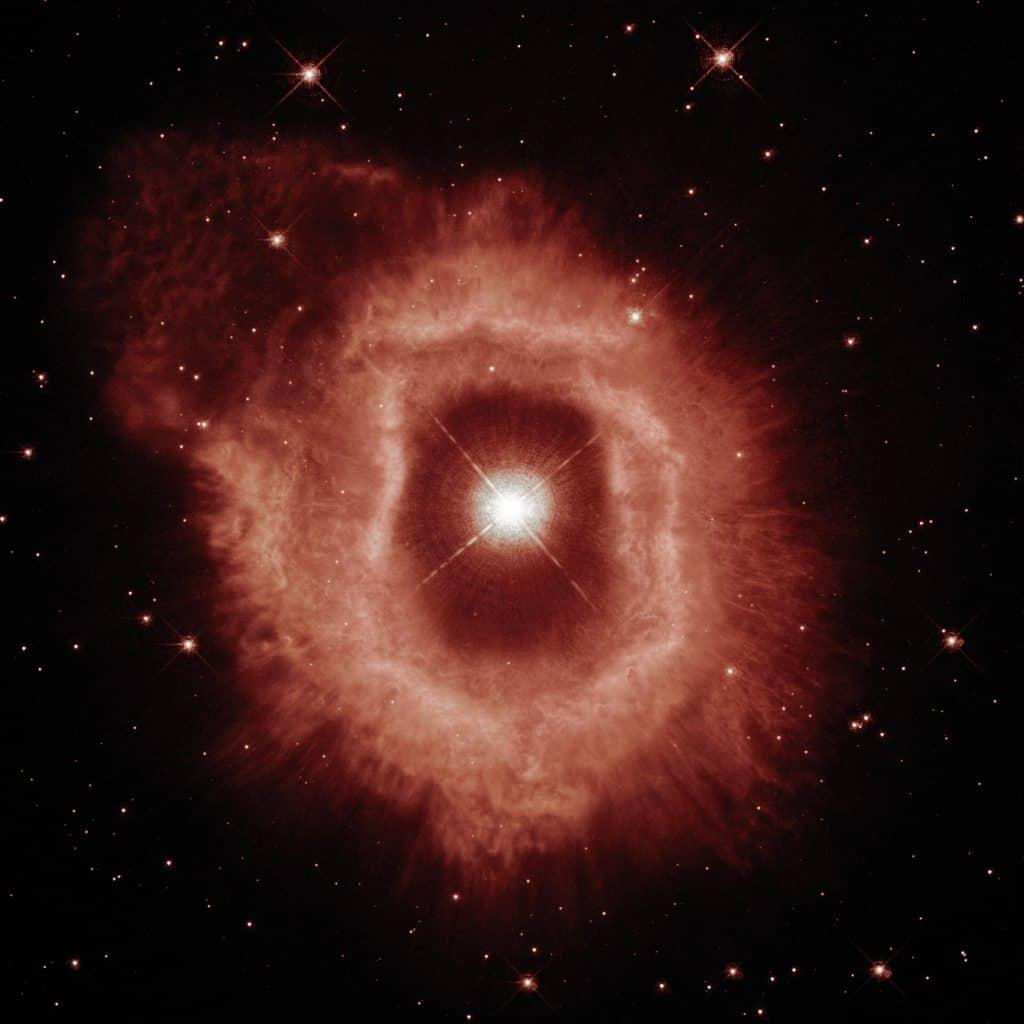 Estrela variável luminosa azul, AG Carinae como observada pelo telescópio espacial Hubble em 1994. Imagem: ESA/Hubble and NASA, A. Nota, C. Britt