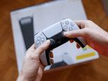 Novo PS5 é mais leve, mas não é pior que modelo original, comprovam testes