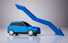 Crise dos chips causa queda anual de 21,9% na produção de veículos, mas elétricos atingem recorde