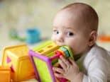 Microplástico é encontrado em fezes de bebês em quantidades surpreendentes