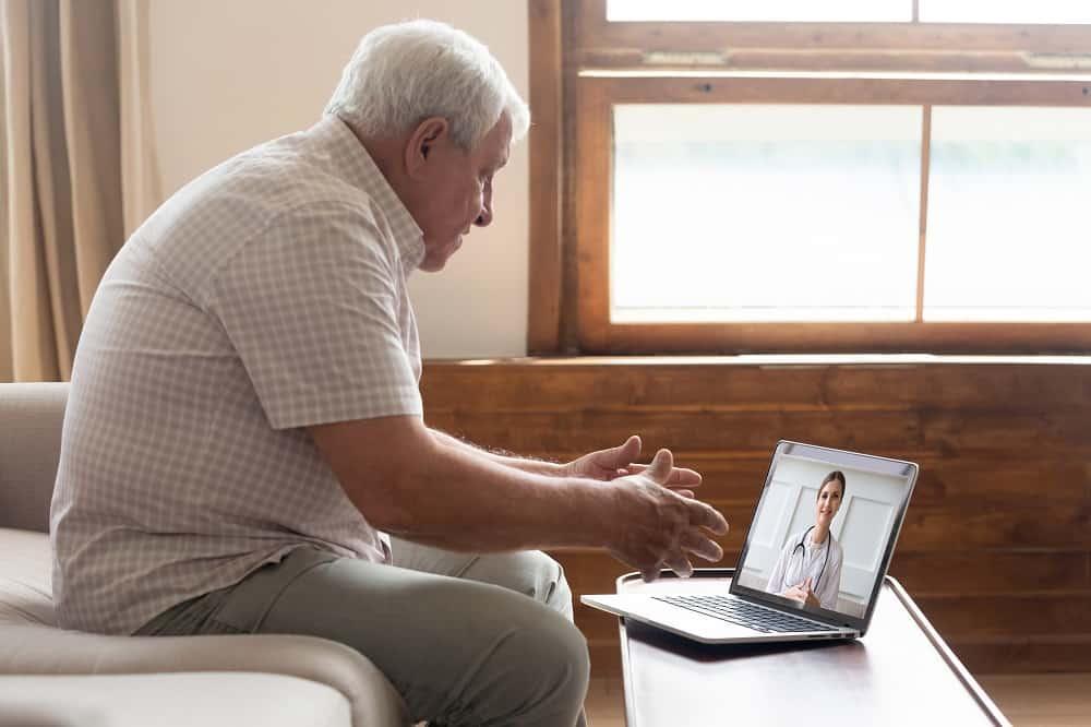 Depressão: atendimento on-line é tão eficaz quanto presencial, diz especialista. Imagem: Fizkes/iStock