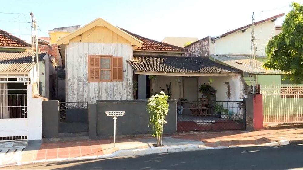Casa n° 392 da Rua São Carlos, local onde, 50 anos atrás, caiu um dos fragmentos do meteorito Marília