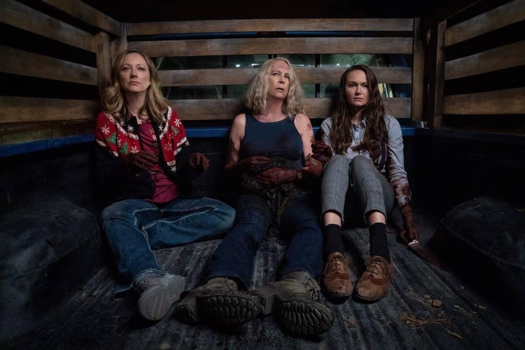 As Strode: Karen (Judy Greer), Laurie (Jamie Lee Curtis) e Allyson (Andi Matichak) acabaram sem segundo plano por força do roteiro de 'Halloween Kills'. Imagem: Universal Pictures/Divulgação