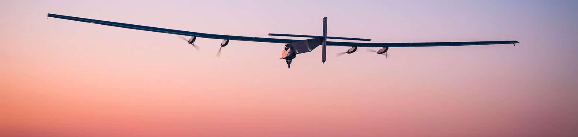 aeronave skydweller no por do sol