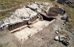Arqueólogos encontram indícios de fábrica de vinho de mais de 2.500 anos no Iraque