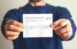 En el mercado negro, los delincuentes se benefician de certificados falsos de vacuna Covid-19