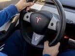 Fãs da Tesla estão furiosos com investigação do governo contra o piloto automático