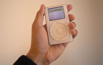 iPod completes 20 years on the market and continues to be present in Apple designs