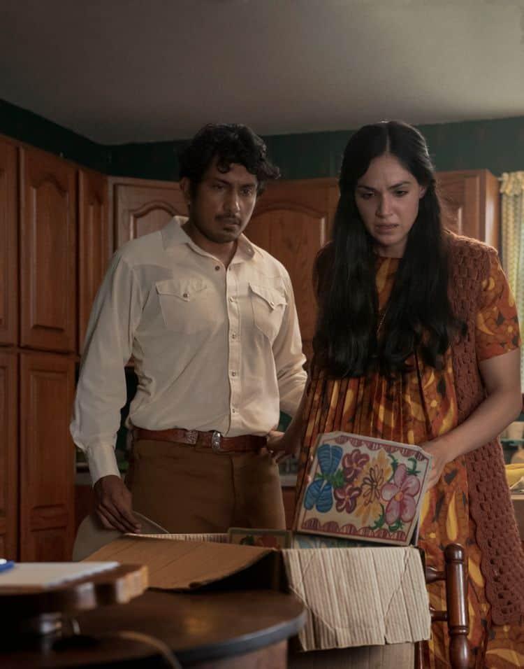 Tenoch Huerta e Ariana Guerra em 'Madres'. Imagem: Amazon Studios/Blumhouse Productions