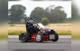 Com motor de Suzuki, engenheiro constrói cortador de grama mais rápido do mundo