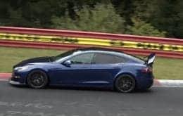 Tesla testando supercarro com spoiler móvel na Alemanha. Tesla S Plaid + de volta ao cardápio?