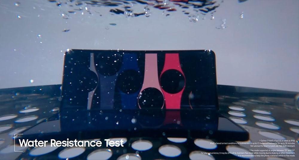 Galaxy Z Fold 3 em teste de submersão